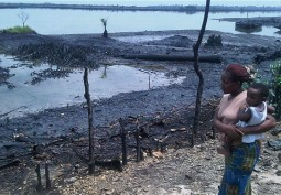 Shell pays for oil spill in Bodo