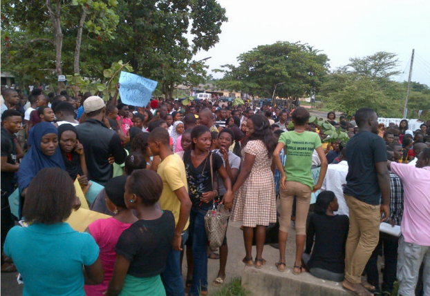 OAU-Students-Hijack-Campus-In-BringBackOurFees-Battle