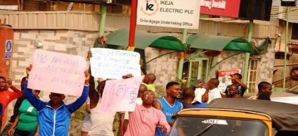 Oko-oba residents protest epileptic power supply