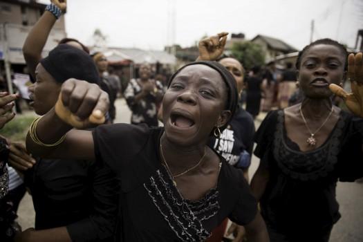 nigeria-women-protest-ventures-africa-e1447219012476